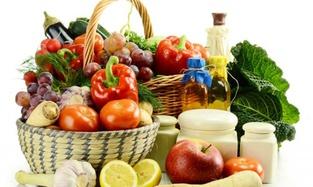 За май в Украине подорожала половина продуктов