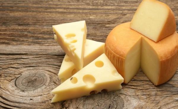 Дешевий імпорт продовжує заважати українським виробникам сиру
