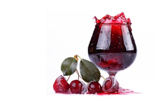 Парламент снизил акцизы на плодово-ягодные вина до 0,01 грн/л