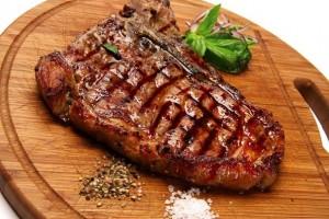 В течение 2017 года выросли цены на все виды мяса