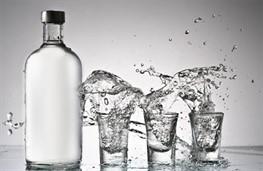 Акцизы на алкоголь решили не увеличивать
